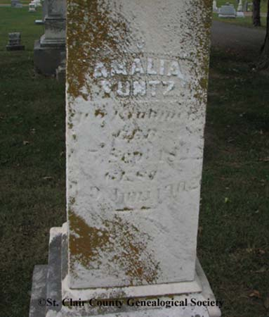 Kuntz, Amalia