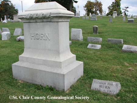 Horn – Family Headstone